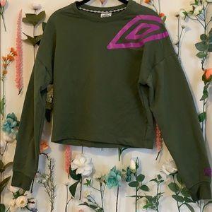 Umbro cropped athletic sweatshirt
